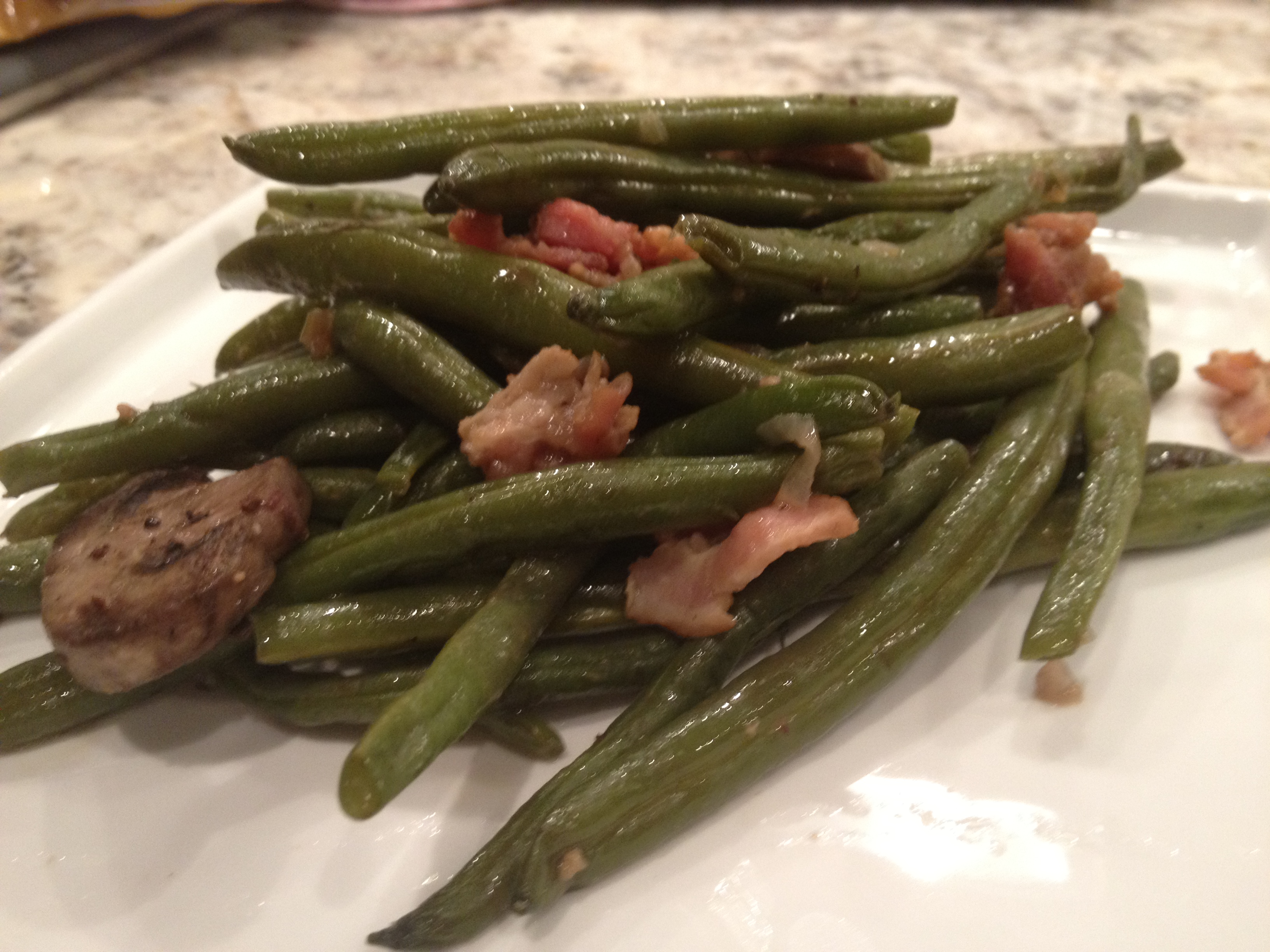 Fresh green beans with bacon - Cooking in flip flops